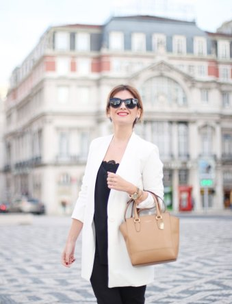 a_trendy_life-street_style-portugal-lisboa-classy_outfit-look_en_blanco_y_negro-black_and_white-gi7a0156986182689.jpg